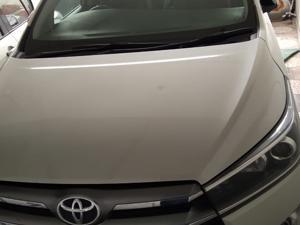Toyota Innova Crysta 2.4 G 7 Str (2017) in Faizabad