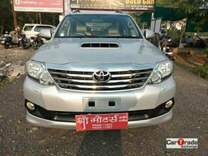 Toyota Fortuner 3.0 4X4 MT (2013) in Ujjain