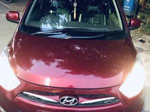 Hyundai i10 Sportz 1.2 (2016) in Varanasi