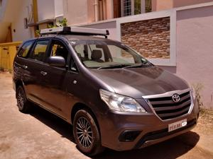 Toyota Innova 2.5 G (Diesel) 8 STR Euro3 (2010) in Pondicherry