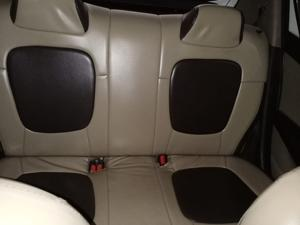 Hyundai i20 Asta 1.2 with AVN (2011) in Durg