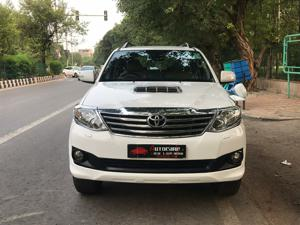 Toyota Fortuner 4x2 AT (2014)