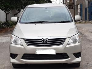 Toyota Innova 2.5 GX 8 STR BS IV (2012) in Hospet