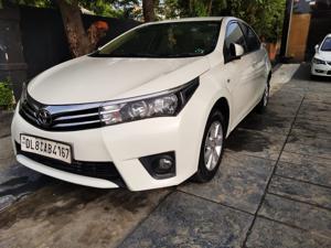 Toyota Corolla Altis 1.8G(CVT) (2015)
