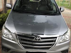 Toyota Innova 2.5 G (Diesel) 8 STR Euro3 (2015) in Gondia