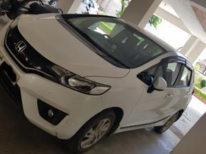 Honda Jazz V 1.2L i-VTEC CVT (2017) in Varanasi