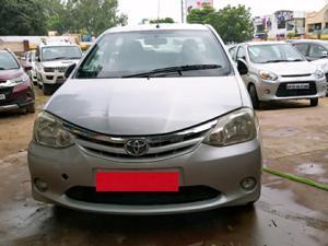 Toyota Etios V (2011) in Lucknow
