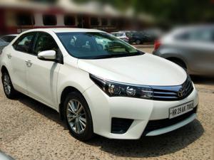 Toyota Corolla Altis D 4D G(L) (2015)