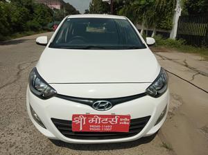 Hyundai i20 Sportz Petrol (2013)