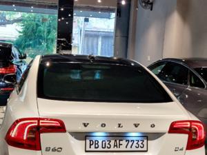 Volvo S60 Kinetic D4 (2014) in New Delhi