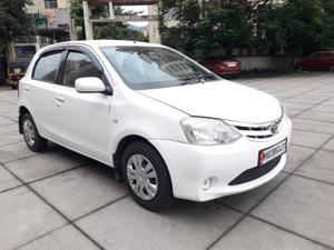 Toyota Etios Liva GD (2012)