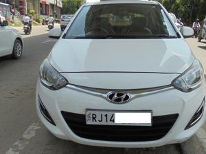 Hyundai i20 Magna 1.4 CRDI (2014)