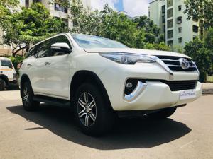 Toyota Fortuner 2.8 4x2 MT (2019)