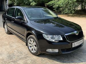 Skoda Superb 2.0 TDI CR AT Elegance (2014) in New Delhi