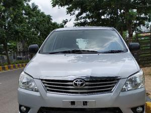 Toyota Innova 2.5 VX 8 STR BS IV (2012) in Hyderabad