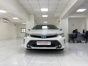Toyota Camry Hybrid (2016) in Mumbai