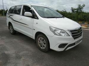 Toyota Innova 2.5 G (Diesel) 8 STR Euro4 (2015) in Hyderabad
