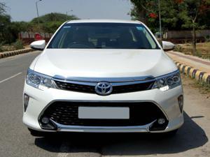 Toyota Camry Hybrid (2018)