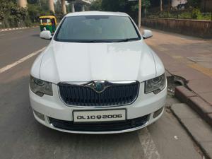 Skoda Superb 2.0 TDI CR AT Elegance (2013) in New Delhi