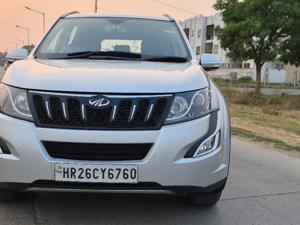 Mahindra XUV500 W6 FWD AT (2016) in New Delhi