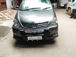 Toyota Innova 2.5 VX 8 STR BS IV (2011) in Hyderabad