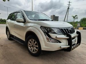 Mahindra XUV500 W10 FWD (2015) in Hyderabad