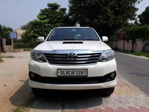 Toyota Fortuner 4x2 AT (2014) in New Delhi