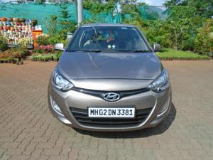 Hyundai i20 Sportz Petrol (2014)
