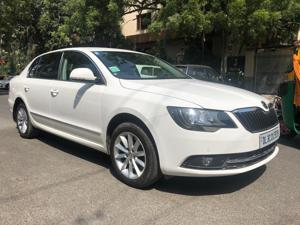 Skoda Superb 1.8 TSI AT Elegance (2015) in New Delhi