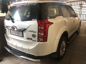 Mahindra XUV500 W10 FWD (2017) in Valsad