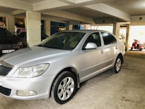 Skoda Laura Ambition 2.0 TDI CR MT (2013) in Bangalore