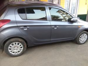 Hyundai i20 Magna Petrol (2011) in Shillong