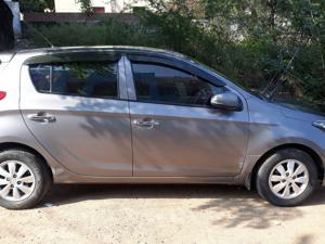 Hyundai i20 Asta 1.4 CRDI (2013) in Karimnagar
