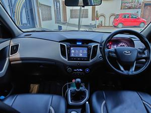 Hyundai Creta SX+ 1.6 CRDI VGT (2017) in Moradabad