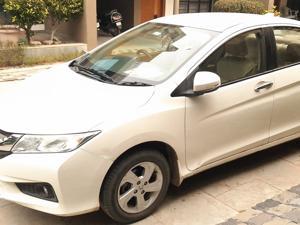 Honda City 1.5 V MT (2015) in Gandhinagar