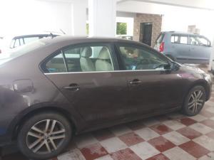Volkswagen Jetta 2.0L CR TDI (MT) Trendline (2013) in Tirupati