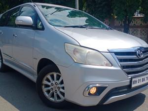Toyota Innova 2.0 V (2014)