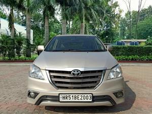 Toyota Innova 2.5 GX (Diesel) 8 STR Euro4 (2015) in New Delhi