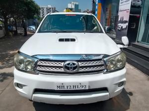 Toyota Fortuner 3.0 MT (2011)