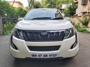 Mahindra XUV500 W9 AT (2018)