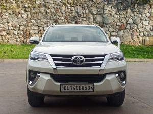 Toyota Fortuner 2.8 4x2 AT (2019)