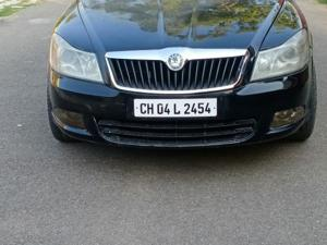 Skoda Laura Ambiente 1.9 TDI AT (2010) in Mohali