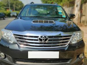 Toyota Fortuner 3.0 4X2 AT (2013) in Noida