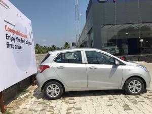 Hyundai Grand i10 Magna 1.1 U2 CRDi Diesel (2014) in Erode
