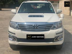 Toyota Fortuner 3.0 4X2 MT (2014) in Noida