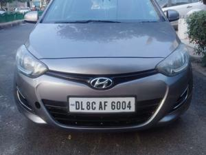 Hyundai i20 Sportz Petrol (2014) in New Delhi