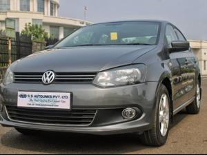 Volkswagen Vento 1.6L AT Highline Petrol (2013) in Navi Mumbai