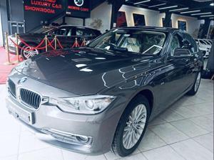 BMW 3 Series 320d Luxury Line Sedan (2016)