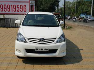 Toyota Innova 2.5 G4 7 STR (2010) in Ahmednagar