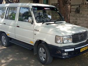 Toyota Qualis FS F5 (2003) in Pollachi